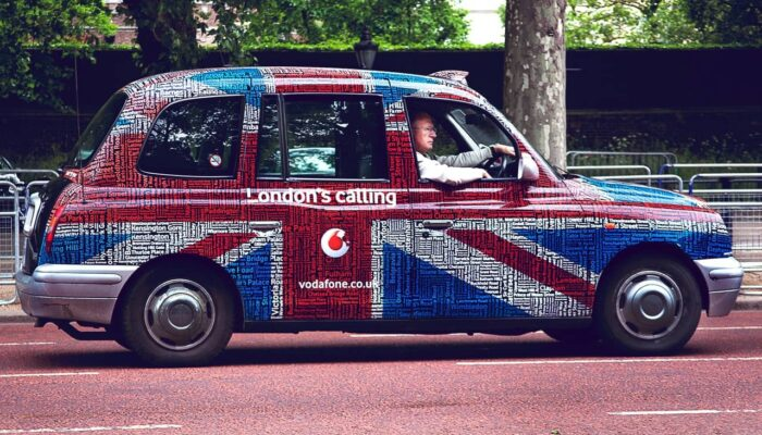 Reasons to Use Vehicle Wrapping for Promoting Your Small Business